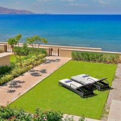 Отель Al Manara, a Luxury Collection Hotel, Saraya Aqaba Иордания, Акаба - 1 отзыв об отеле, цены и фото номеров - забронировать отель Al Manara, a Luxury Collection Hotel, Saraya Aqaba онлайн пляж фото 2