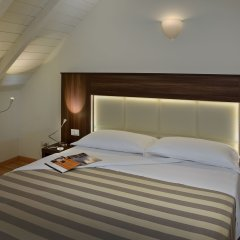 Astor Hotel комната для гостей