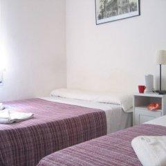 Отель Hostal Elkano Барселона комната для гостей фото 3