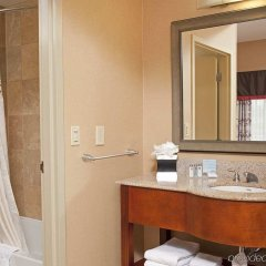 Отель Hampton Inn & Suites Columbus-Easton Area ванная