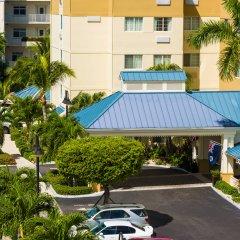 Отель Comfort Suites Seven Mile Beach Каймановы острова, Севен-Майл-Бич - отзывы, цены и фото номеров - забронировать отель Comfort Suites Seven Mile Beach онлайн парковка