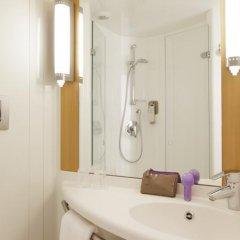 Отель Ibis London Blackfriars Великобритания, Лондон - 1 отзыв об отеле, цены и фото номеров - забронировать отель Ibis London Blackfriars онлайн ванная
