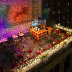 The Roger Smith Hotel балкон