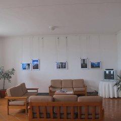 Отель Pousada de Juventude de Ponta Delgada Понта-Делгада комната для гостей