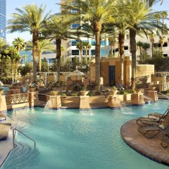 Отель Hilton Grand Vacations on the Las Vegas Strip бассейн фото 3
