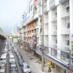 Отель My Bed Ratchada Бангкок балкон