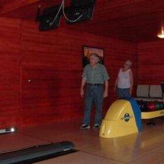 Отель Williams Village Bowling & Country Club фитнесс-зал