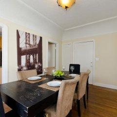 Отель LA155 2 Bedroom Apartment By Senstay США, Лос-Анджелес - отзывы, цены и фото номеров - забронировать отель LA155 2 Bedroom Apartment By Senstay онлайн удобства в номере фото 2