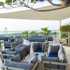 Отель Crowne Plaza Abu Dhabi Yas Island гостиничный бар