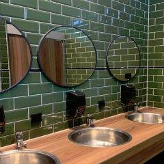 Отель Durty Nelly's - Hostel Нидерланды, Амстердам - отзывы, цены и фото номеров - забронировать отель Durty Nelly's - Hostel онлайн ванная фото 3