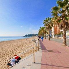 Отель Doble - 4CD A100 Испания, Льорет-де-Мар - отзывы, цены и фото номеров - забронировать отель Doble - 4CD A100 онлайн пляж