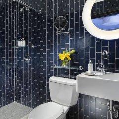 Отель 6 Columbus Central Park a Sixty Hotel США, Нью-Йорк - отзывы, цены и фото номеров - забронировать отель 6 Columbus Central Park a Sixty Hotel онлайн ванная