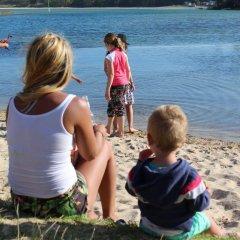 Отель Holiday Haven Burrill Lake Австралия, Сассекс-Инлет - отзывы, цены и фото номеров - забронировать отель Holiday Haven Burrill Lake онлайн пляж
