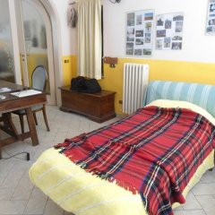 Отель Villa Liberty Монтеварчи комната для гостей