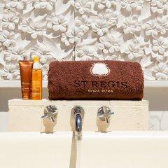Отель The St Regis Bora Bora Resort Французская Полинезия, Бора-Бора - отзывы, цены и фото номеров - забронировать отель The St Regis Bora Bora Resort онлайн ванная