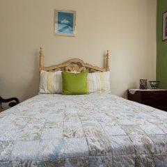 Апартаменты New Kingston Guest Apartment at Inglaterra I сейф в номере