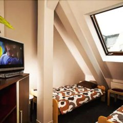 Отель Absynt Hostel Польша, Вроцлав - отзывы, цены и фото номеров - забронировать отель Absynt Hostel онлайн комната для гостей фото 3