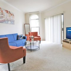 Апартаменты Downtown LA Inspiring Apartments комната для гостей