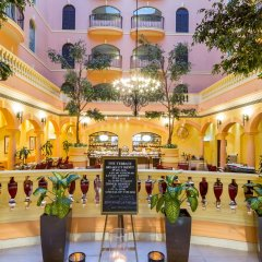 Отель Grand Excelsior Hotel Deira ОАЭ, Дубай - 1 отзыв об отеле, цены и фото номеров - забронировать отель Grand Excelsior Hotel Deira онлайн питание фото 3