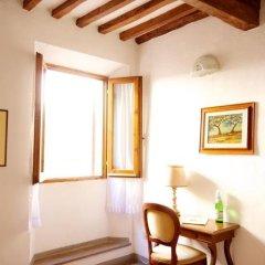 Отель Locanda Il Pino Италия, Сан-Джиминьяно - отзывы, цены и фото номеров - забронировать отель Locanda Il Pino онлайн удобства в номере