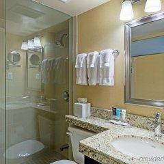 Отель Crowne Plaza Toronto Airport Канада, Торонто - отзывы, цены и фото номеров - забронировать отель Crowne Plaza Toronto Airport онлайн ванная фото 2