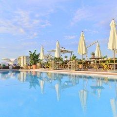 AC Hotel by Marriott Nice бассейн