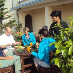 Отель Kathmandu Madhuban Guest House Непал, Катманду - 1 отзыв об отеле, цены и фото номеров - забронировать отель Kathmandu Madhuban Guest House онлайн питание