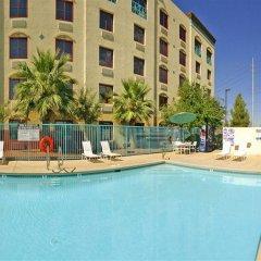 Отель Fiesta Rancho Casino Hotel США, Северный Лас-Вегас - отзывы, цены и фото номеров - забронировать отель Fiesta Rancho Casino Hotel онлайн с домашними животными