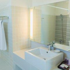 Отель Waterfront Suites Phuket by Centara ванная фото 2