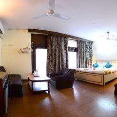 Отель Fabhotel Kailash Colony Metro Station комната для гостей фото 4