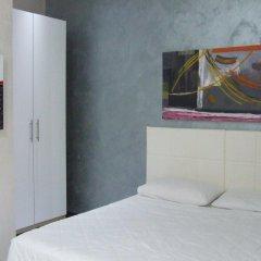 Отель Via Cotugno Бари комната для гостей фото 4