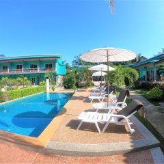 Отель Tum Mai Kaew Resort бассейн