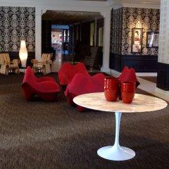 Отель Capitol Skyline гостиничный бар
