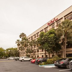 Отель Red Roof Inn PLUS+ Miami Airport парковка