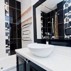 Апартаменты LUXKV Apartment on Zemlyanoy Val 52 ванная