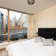 Отель Amazing Central 2 Bed Flat - Northern Quarter комната для гостей