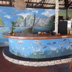 Отель Fiji Palms Phuket Таиланд, Пхукет - отзывы, цены и фото номеров - забронировать отель Fiji Palms Phuket онлайн гостиничный бар