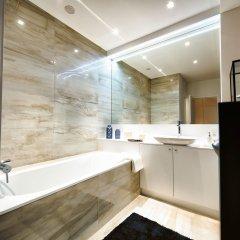 Отель Charles Home - Grand Place Aparthotel ванная фото 2