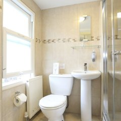 Отель Aviva Guest House ванная