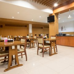 Отель Legacy Express Sukhumvit by Compass Hospitality питание