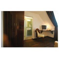 Отель Helvetia Hotel Munich City Center Германия, Мюнхен - 2 отзыва об отеле, цены и фото номеров - забронировать отель Helvetia Hotel Munich City Center онлайн балкон