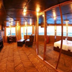 Vintage Luxury Yacht Hotel бассейн