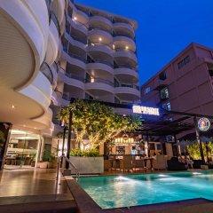 Отель A-One Pattaya Beach Resort бассейн