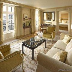 Shangri-La Hotel Paris Париж комната для гостей фото 3