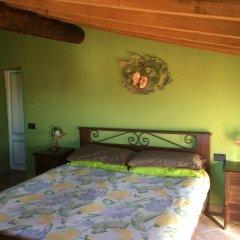 Отель Villa Gaia Сан-Мартино-Сиккомарио сейф в номере