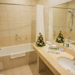 Гостиница Петро Палас 5* Стандартный номер с двуспальной кроватью фото 9