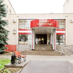 Гостиница АМАКС Парк-отель Тамбов в Тамбове - забронировать гостиницу АМАКС Парк-отель Тамбов, цены и фото номеров вид на фасад