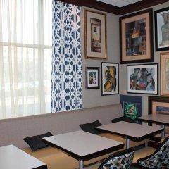 Отель Hampton Inn & Suites Staten Island США, Нью-Йорк - отзывы, цены и фото номеров - забронировать отель Hampton Inn & Suites Staten Island онлайн удобства в номере