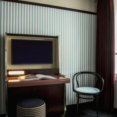 Отель du Rond-Point des Champs Elysees Франция, Париж - 1 отзыв об отеле, цены и фото номеров - забронировать отель du Rond-Point des Champs Elysees онлайн удобства в номере фото 2