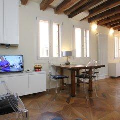 Апартаменты City Apartments - Residence Pozzo Terrace Венеция комната для гостей фото 5
